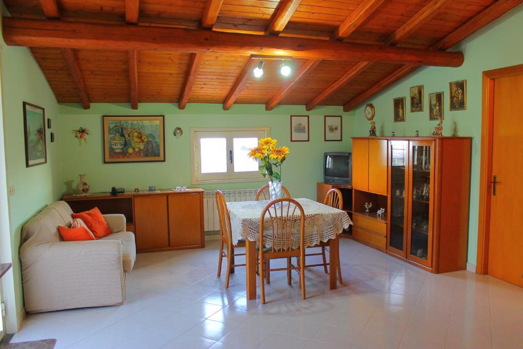 Mobili Per Ufficio Misterbianco : Pina house misterbianco u prezzi aggiornati per il