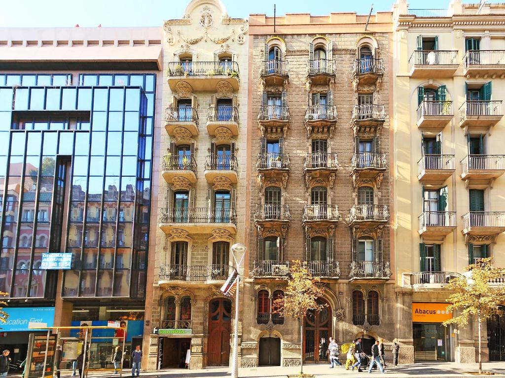 Apartment apt balmes barcelona spain for Hotel de paris barcelona