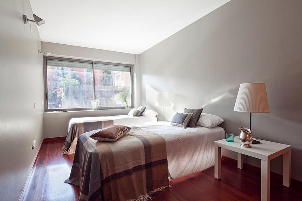 gran imagen de Apartment Barcelona Rentals - Gracia Pool Apartments