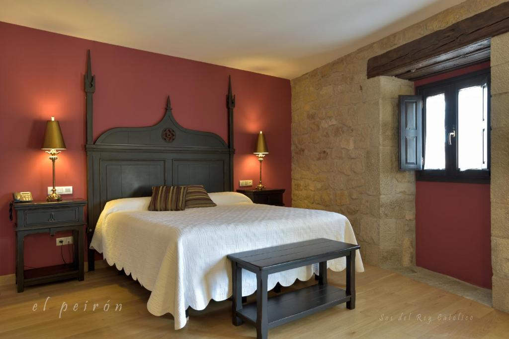 boutique hotels in sos del rey católico  23