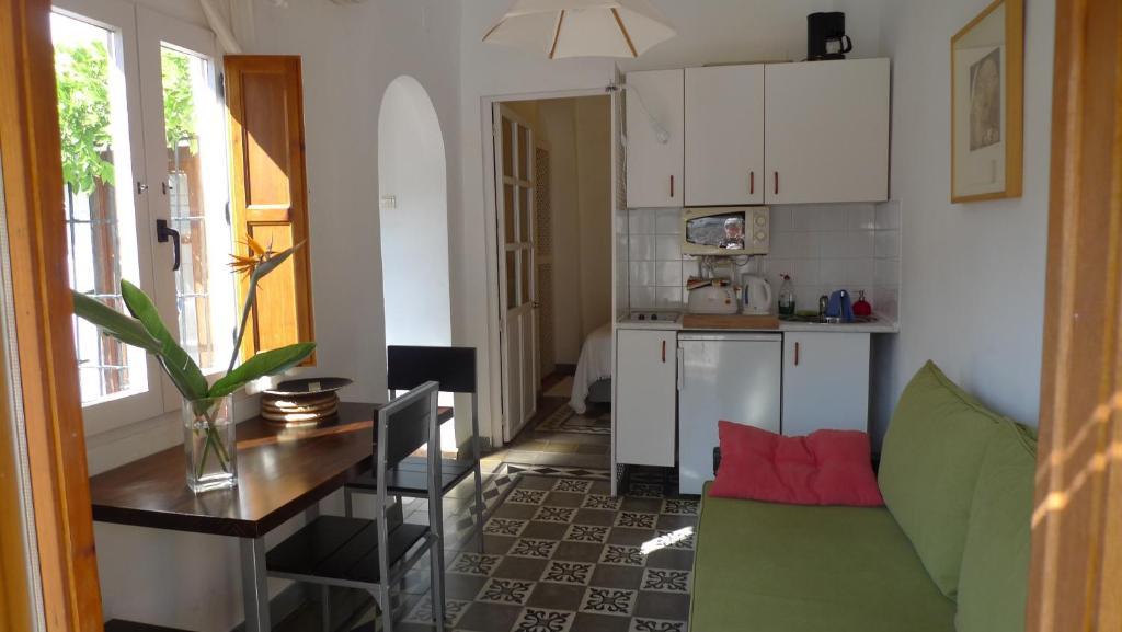 Bonita foto de Alhambra Hill Apartments
