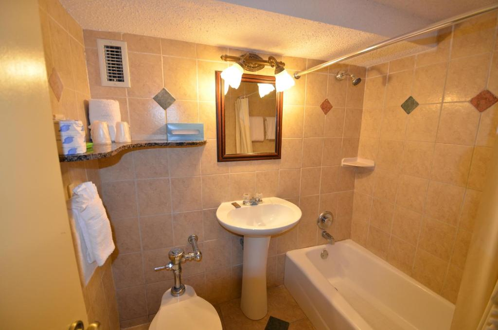 Sea Club Ocean Resort Fort Lauderdale FL Bookingcom - Bathroom fixtures fort lauderdale
