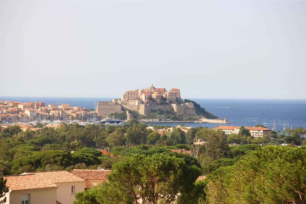 The Manor Calvi Haute Corse France Chambres D Hôtes