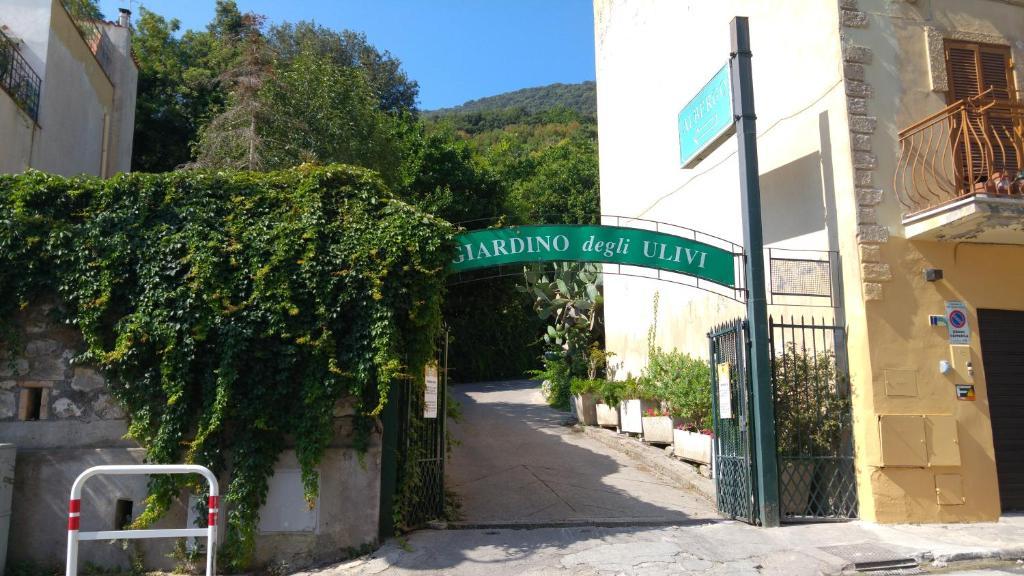 Hotel giardino degli ulivi san felice circeo italy for Il giardino degli ulivi monteviale