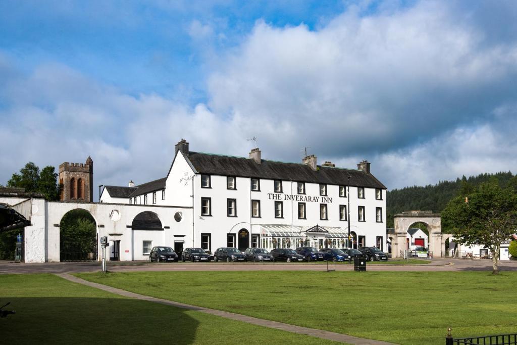 Inveraray Castle - We Are GLM