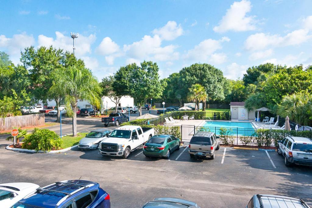 Motel Tampa Fairgrounds FL Bookingcom - Car show tampa fairgrounds