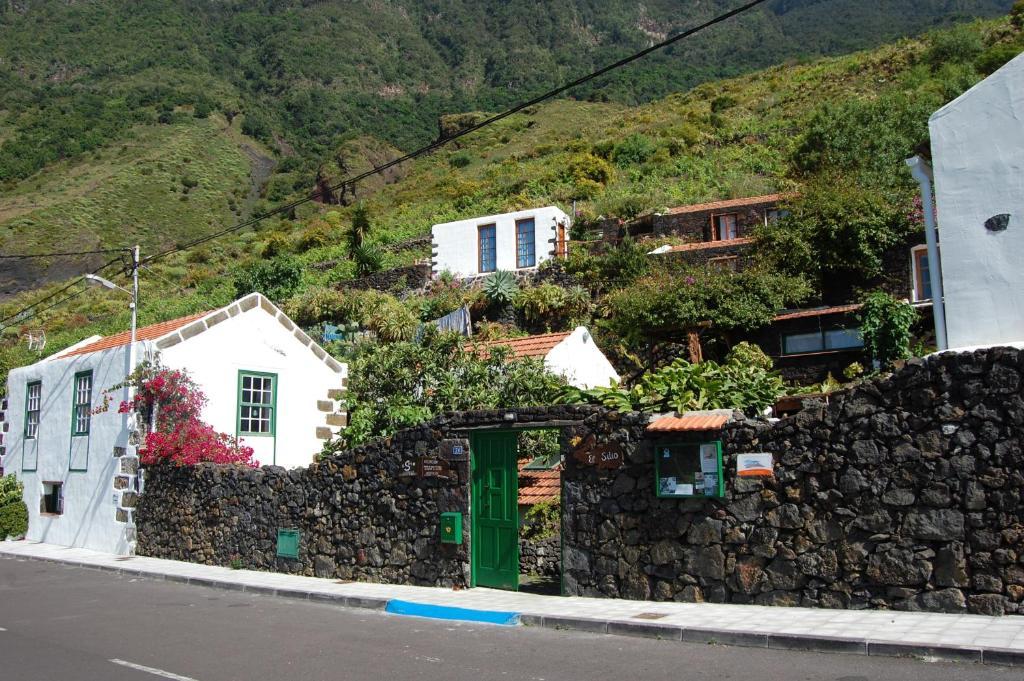 Apartments In Tesbabo El Hierro