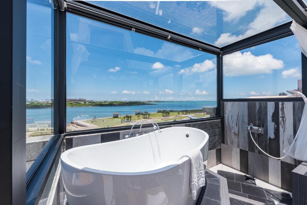 A bathroom at Malibu OceanView Homestay