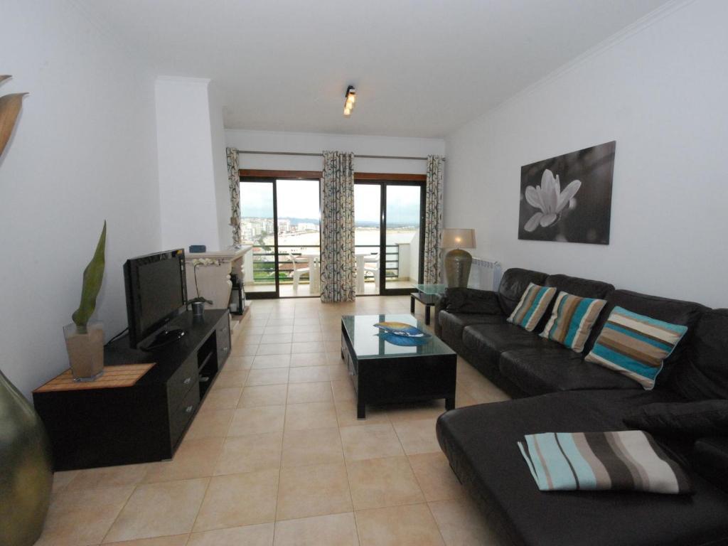 Apartment Palmeiras I Sao Martinho Do Porto Portugal Booking Com