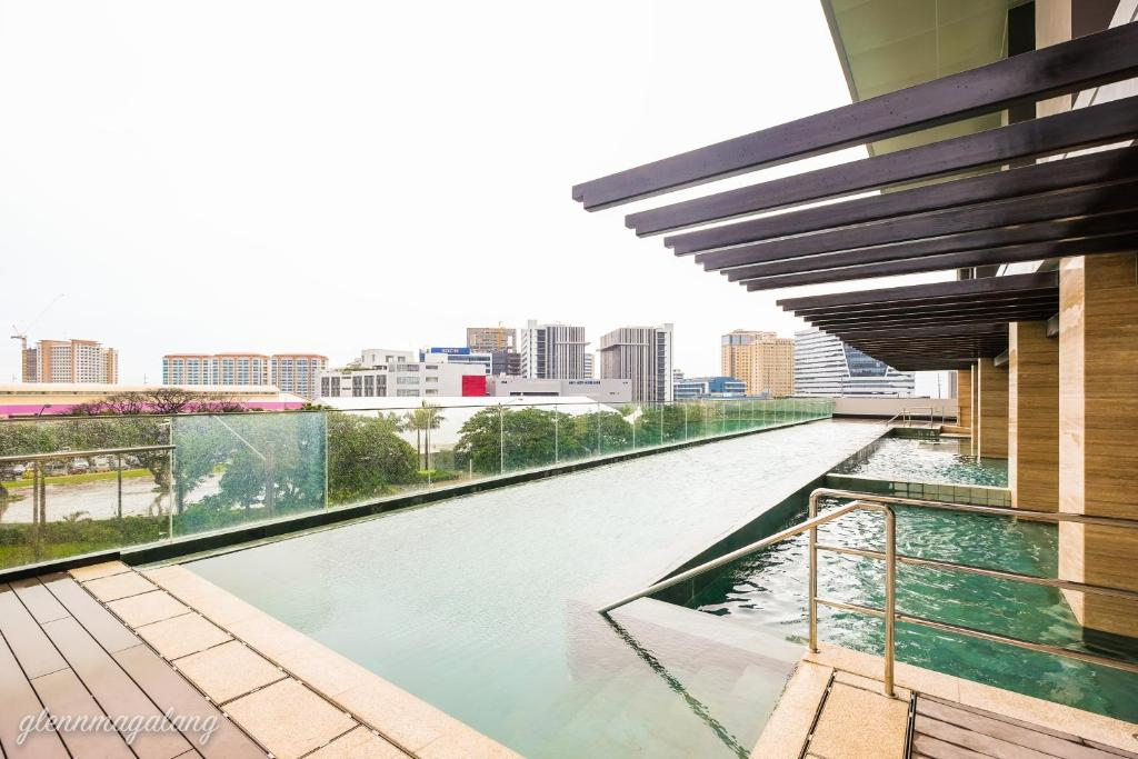 Aparthotel somerset alabang manila philippines - Holiday homes in somerset with swimming pool ...