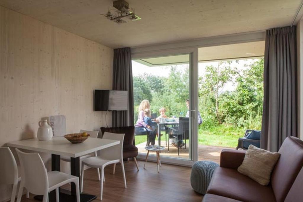 Hotel design cabin niederlande sint maartensvlotbrug for Design hotel niederlande