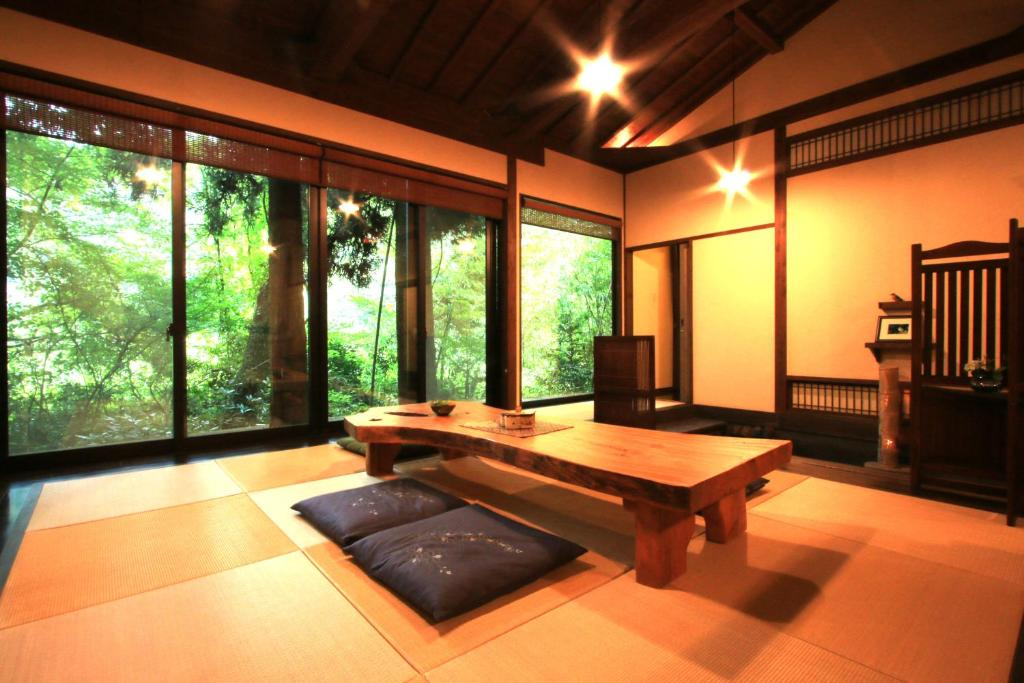 ポイント2.森の中の贅沢な隠れ家客室