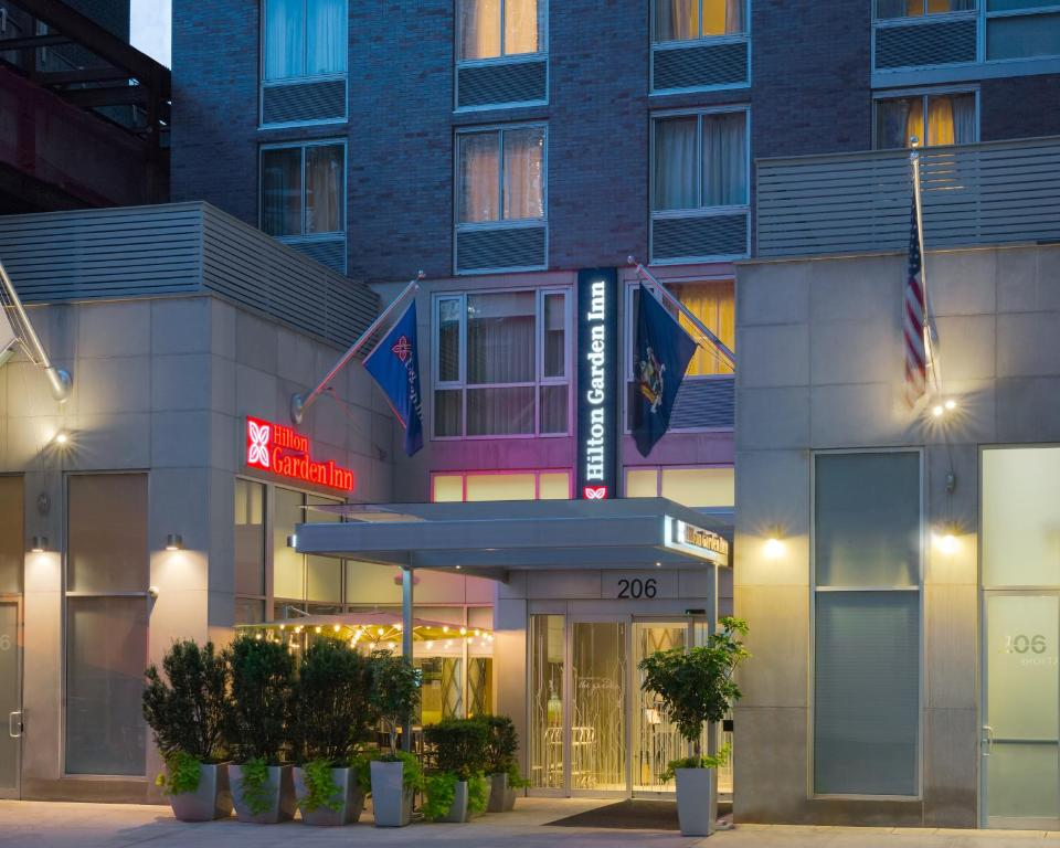 Hilton Garden Inn New York New York City NY Bookingcom