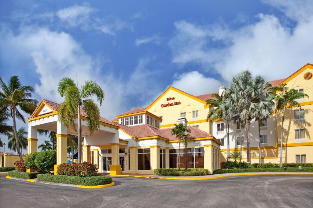 Hilton Garden Inn Boca Raton Reserve Now. Gallery Image Of This Property ...