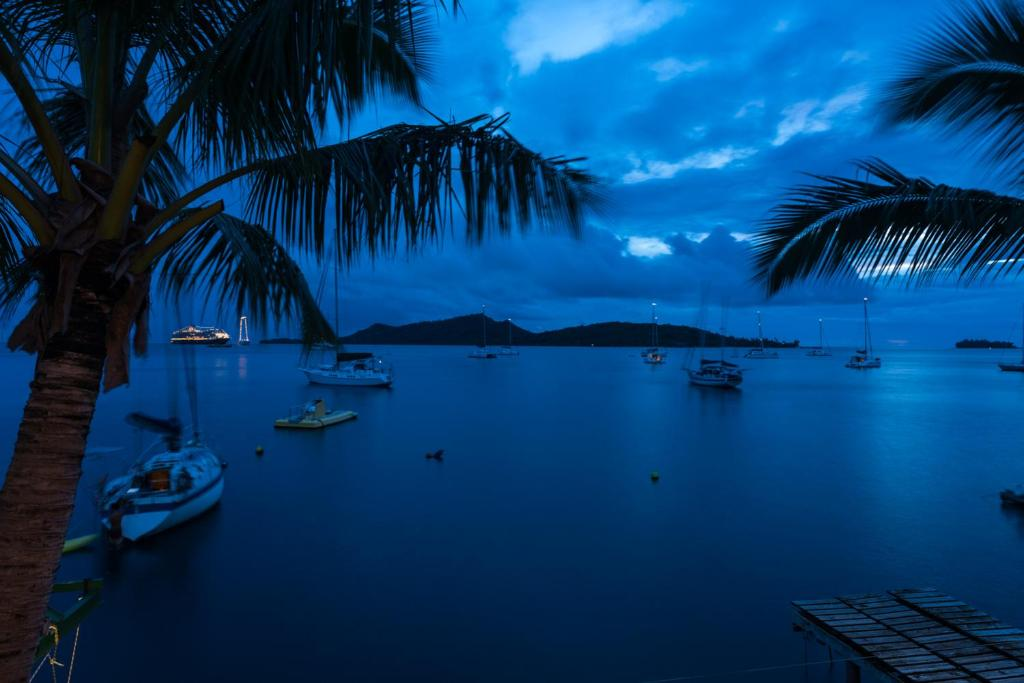 Sunset hill lodge bora bora french polynesia for Sunset lodge