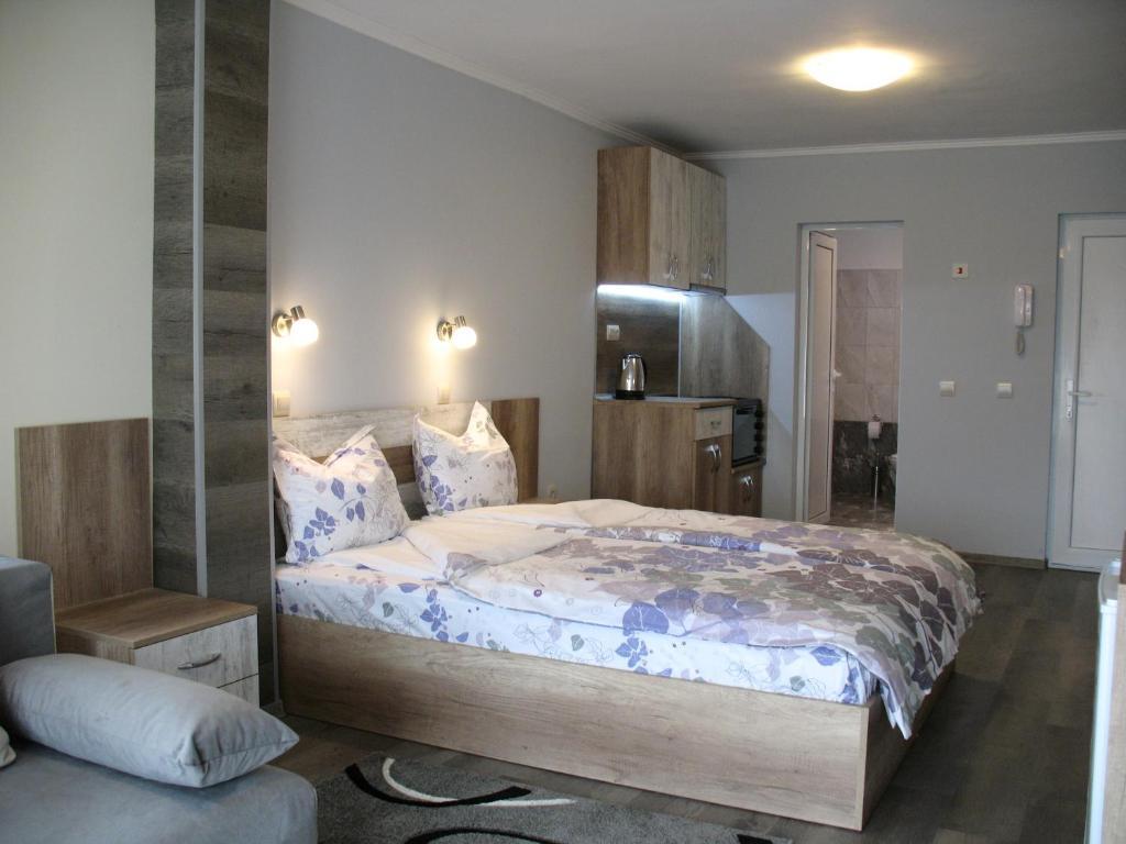 Апартамент Leon Rent Studio 8 - Велико Търново