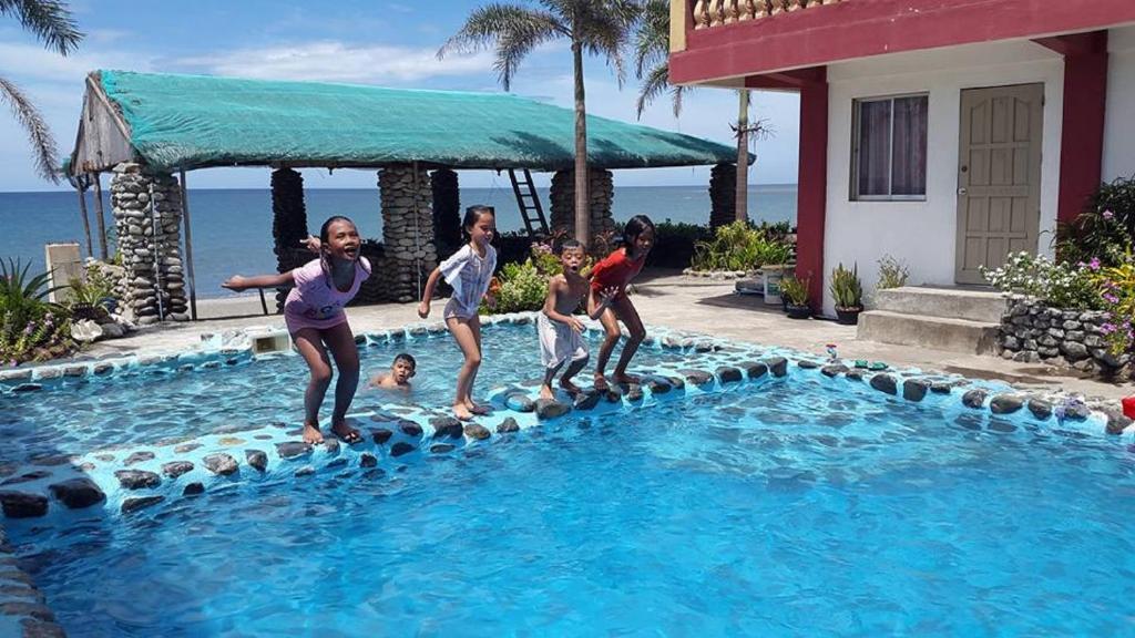 White Castle Beach Resort Iba Philippines Bookingcom