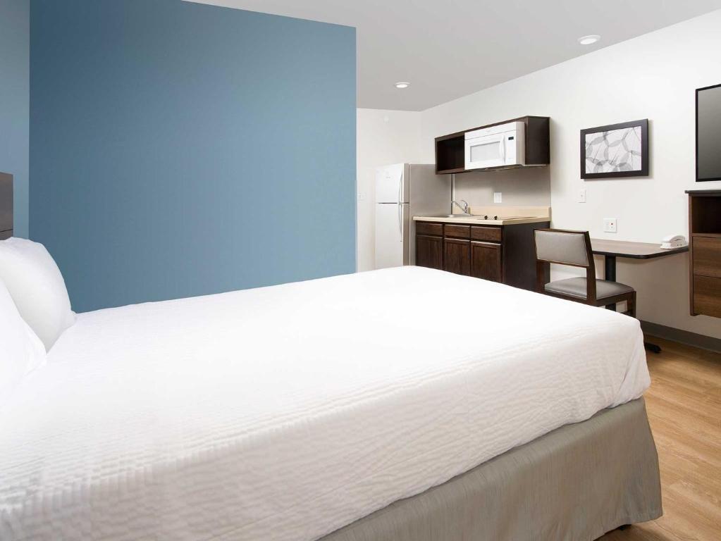 Hotel WoodSpring Suites Fargo, ND - Booking.com