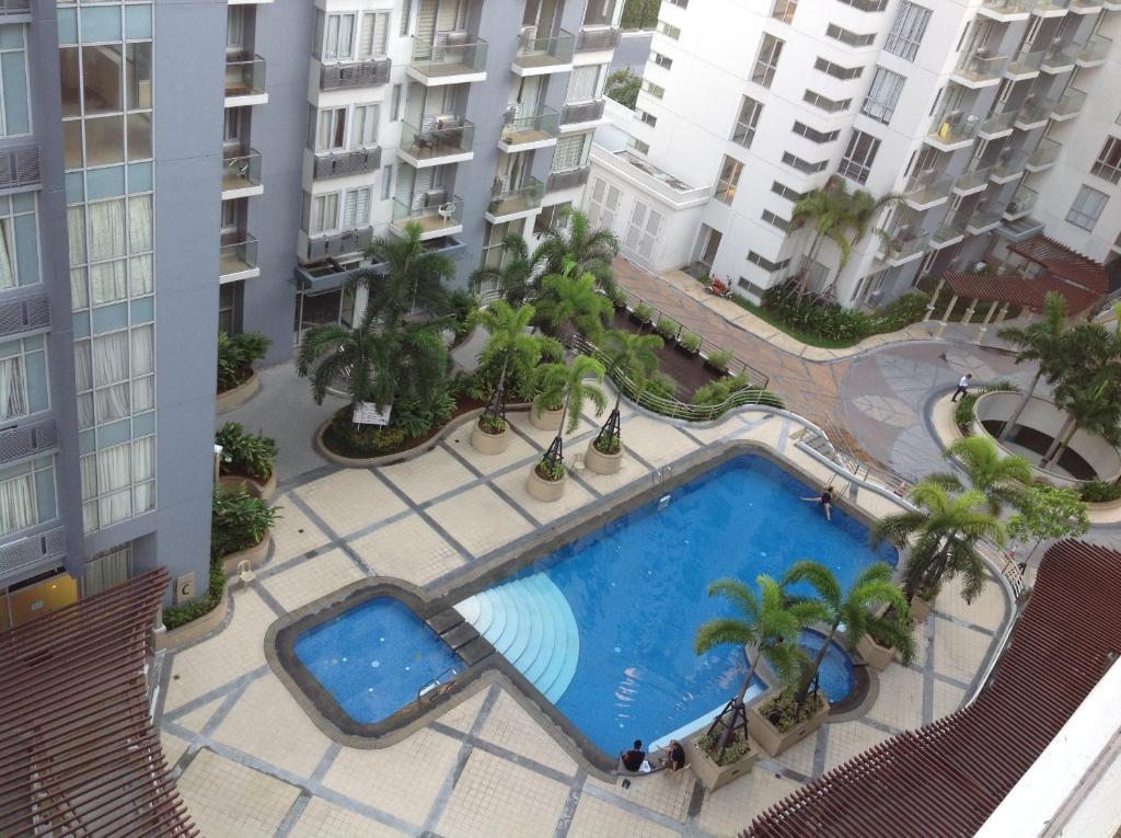 One palm tree villas filip ny manila for Palm tree villas 1