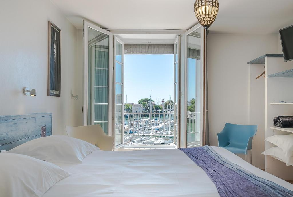 A room at Hotel La Marine