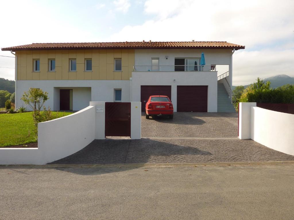 Apartments In Ossès Aquitaine