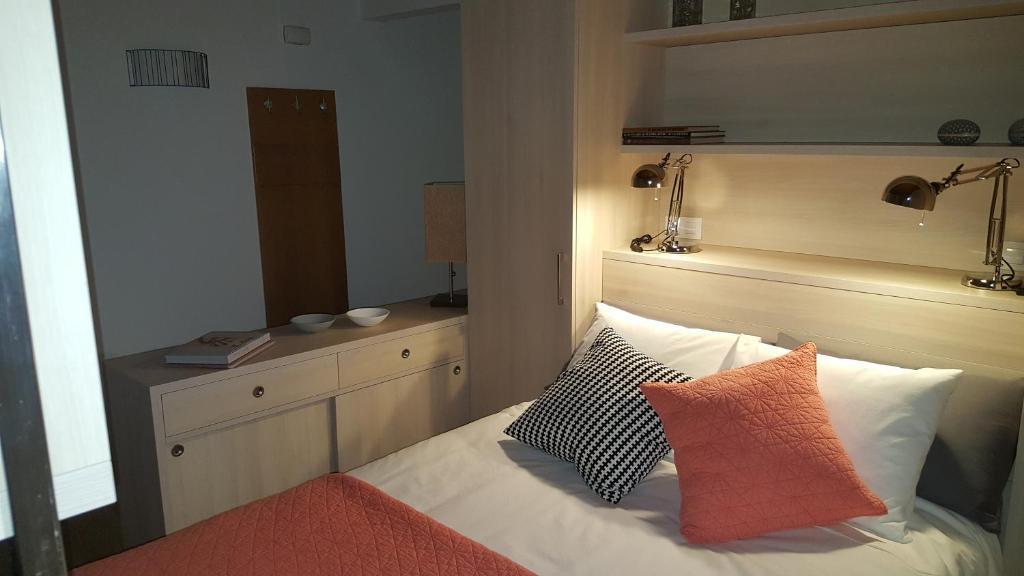 Apartments In Pereiro De Aguiar Galicia