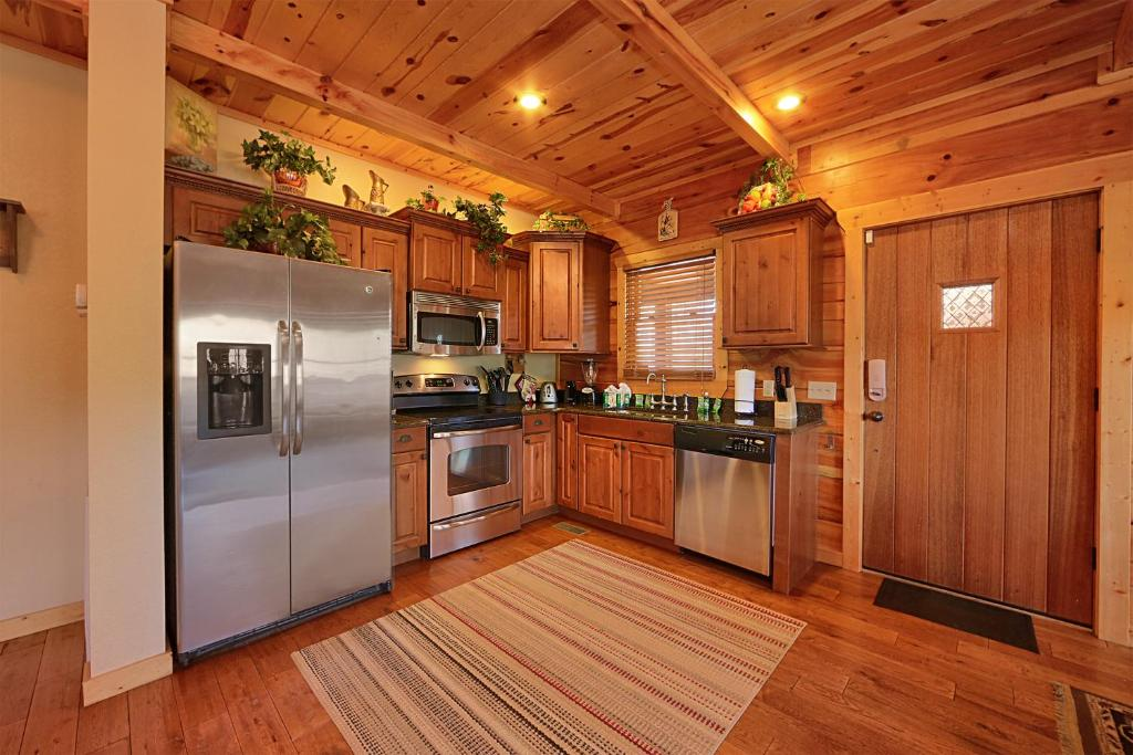 majestic create your own bedroom games. Gallery image of this property Majestic Forest  Pigeon Forge Updated 2018 Prices