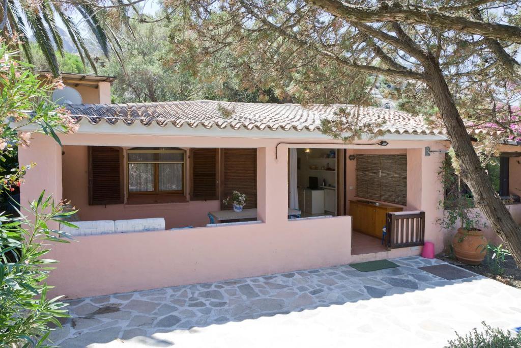 Houses in Cervo price