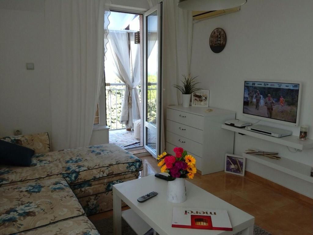 Апартамент Белия Бряг - Царево