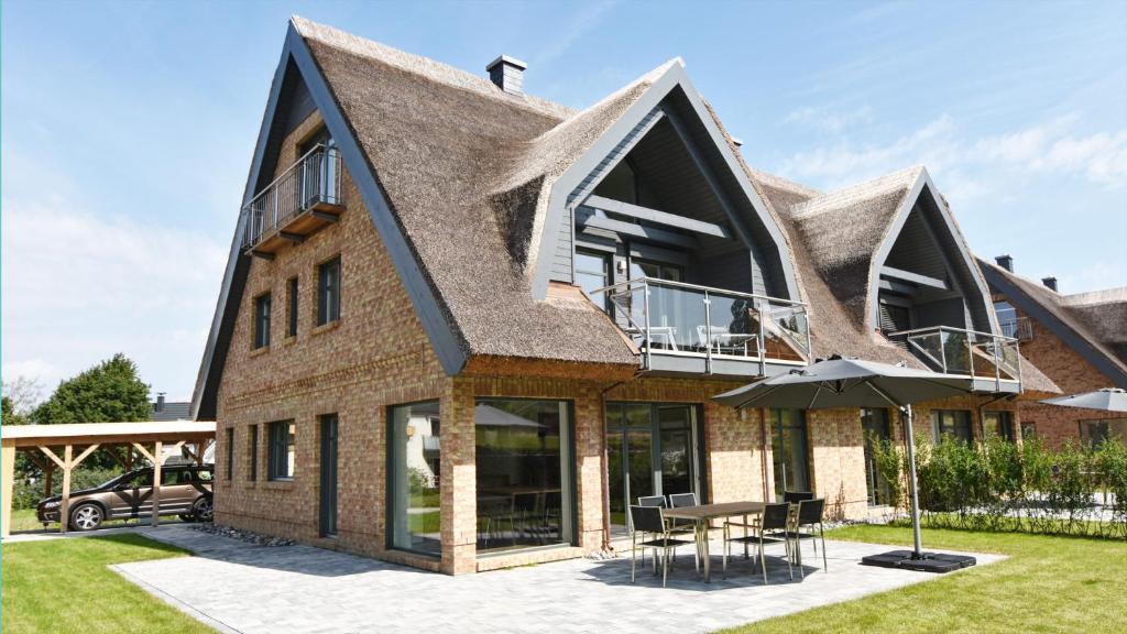 Exklusive reetdach villa ostseefrische njema ka lobbe for Exklusive hotels