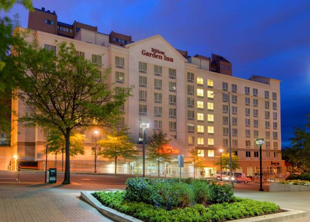 High Quality Hilton Garden Inn Arlington/Courthouse Plaza Reserve Now. Gallery Image Of  This Property ... Great Pictures