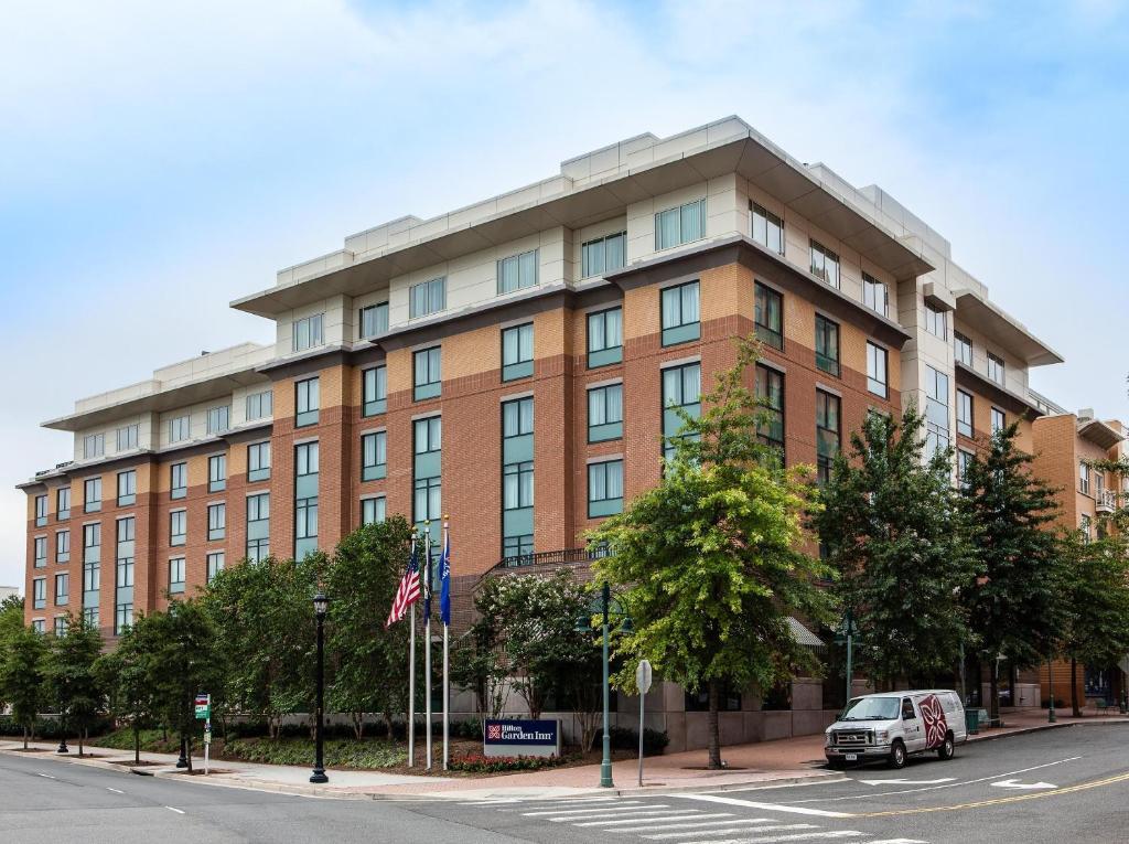 Hotel Hilton Garden Shirlington Arlington VA Bookingcom