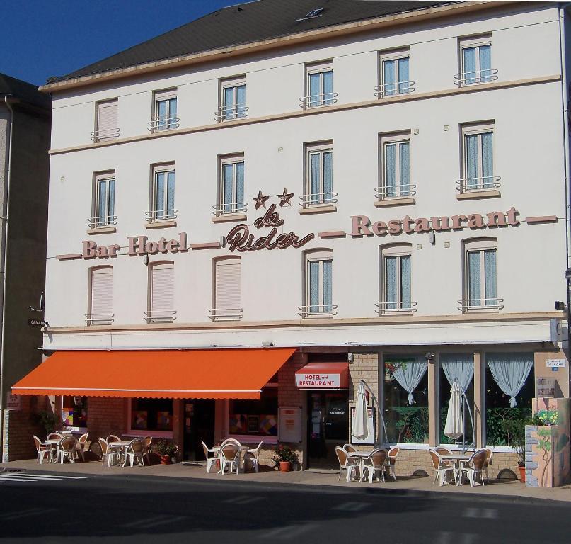 The facade or entrance of Le Rider