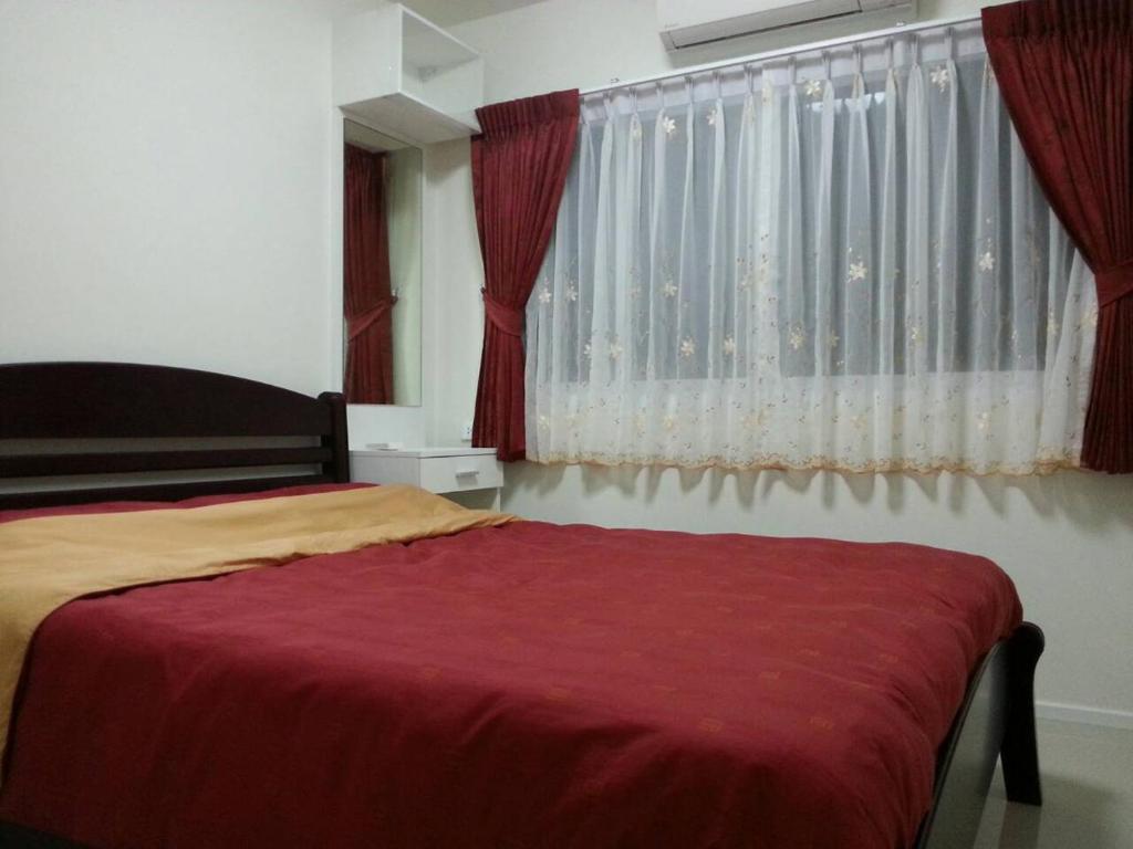 A room at Kensington condo