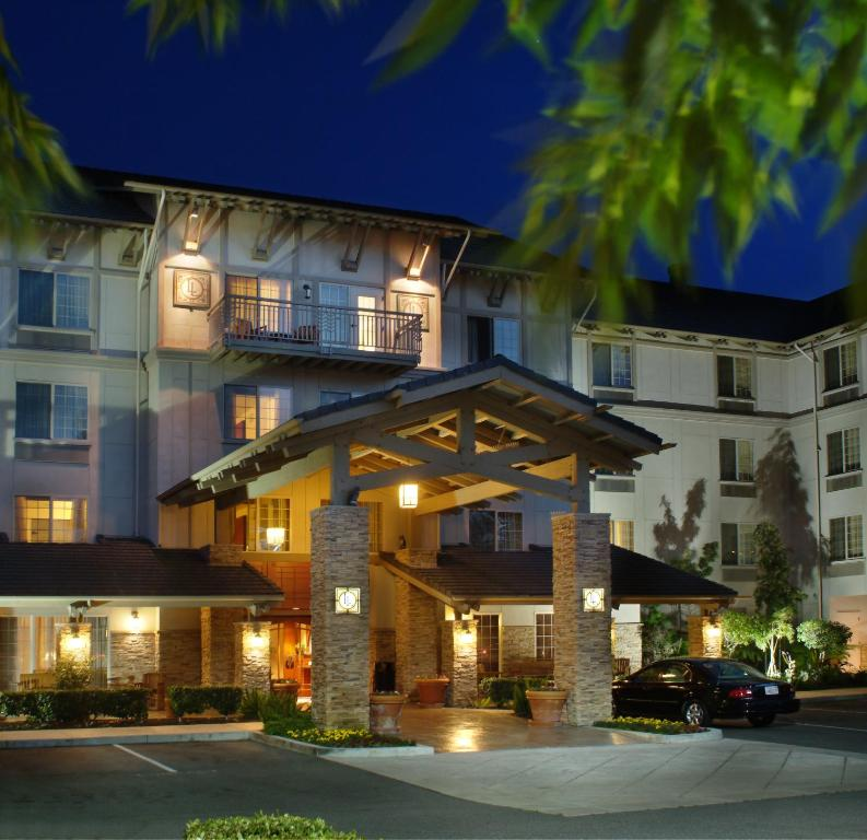 The facade or entrance of Larkspur Landing Roseville-An All-Suite Hotel