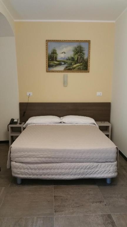 A room at Hotel Tommaseo