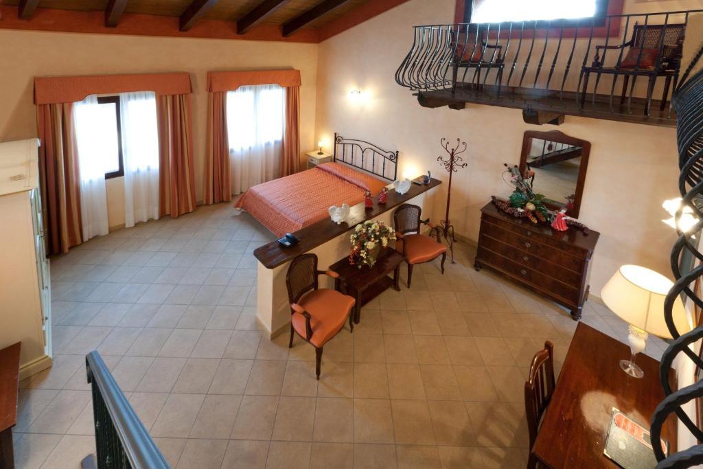 Ca' del Rio Resort