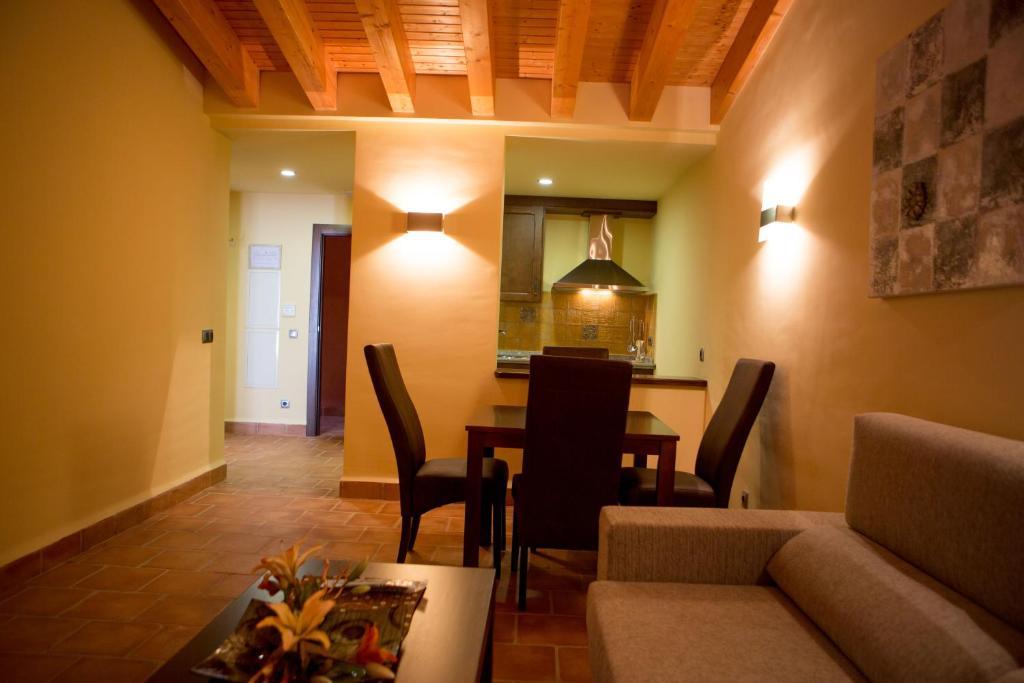 gran imagen de Apartamentos Turisticos Cortijo Garces