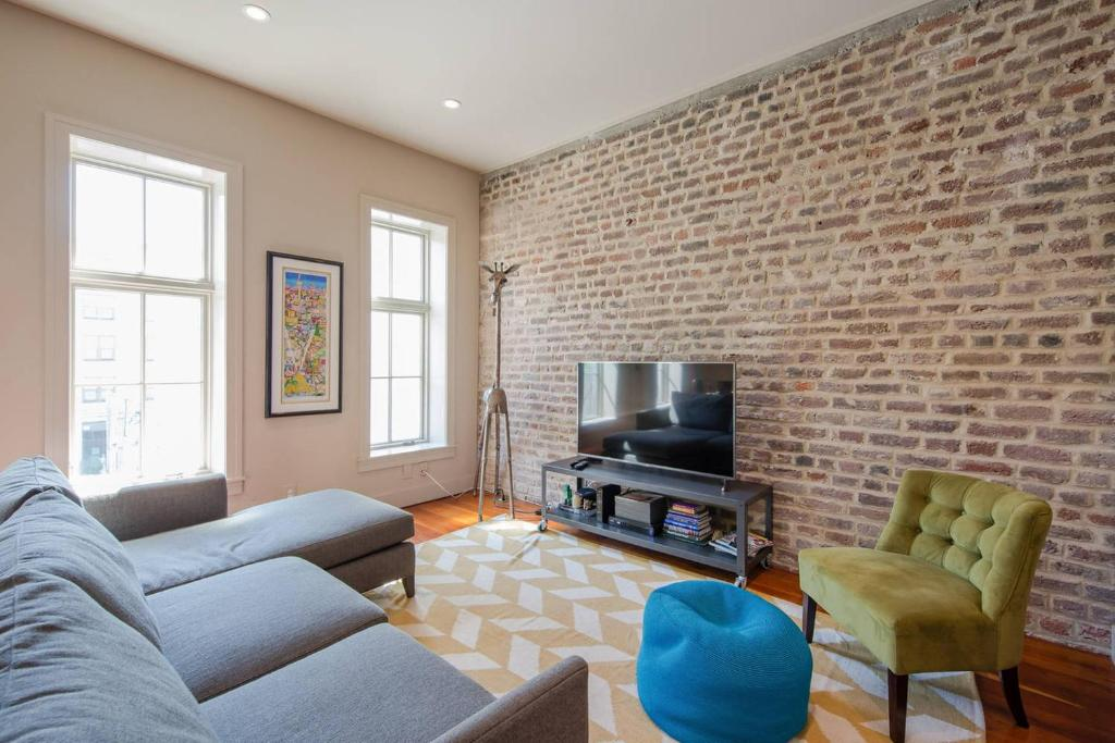 Apartment the king suite trendy loft in heart of downtown - 3 bedroom apartments downtown charleston sc ...