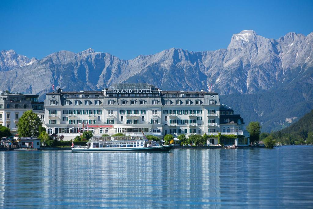 Grand hotel zell am see austria for Designhotel zell am see
