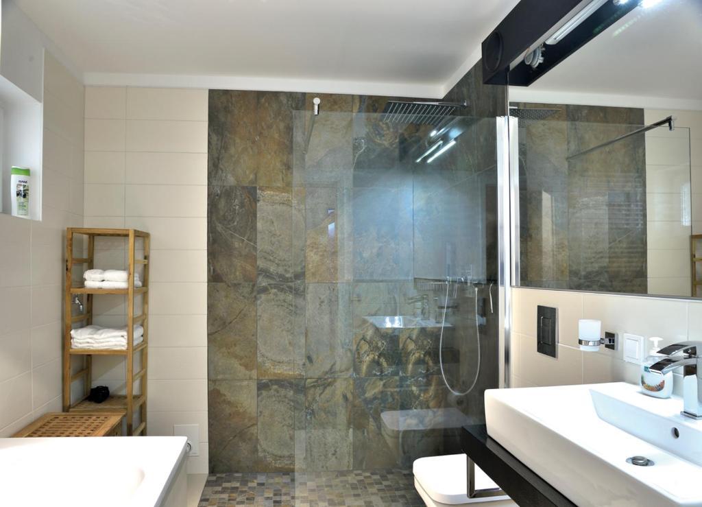 ferienwohnung altstadtrefugium kr merbr cke deutschland erfurt. Black Bedroom Furniture Sets. Home Design Ideas