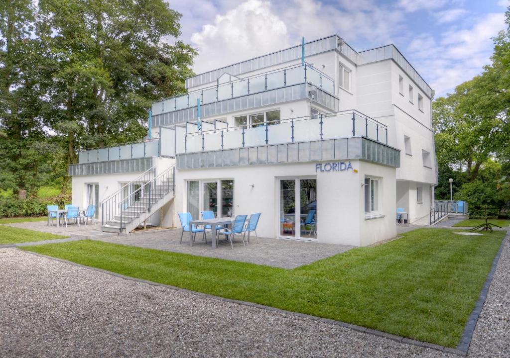 ferienwohnung florida haus am strand deutschland boltenhagen. Black Bedroom Furniture Sets. Home Design Ideas