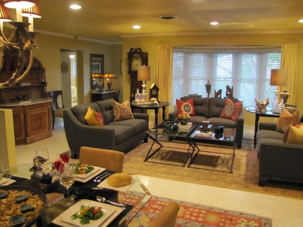 Vacation Home France House 01, Fort Lauderdale, FL - Booking.com