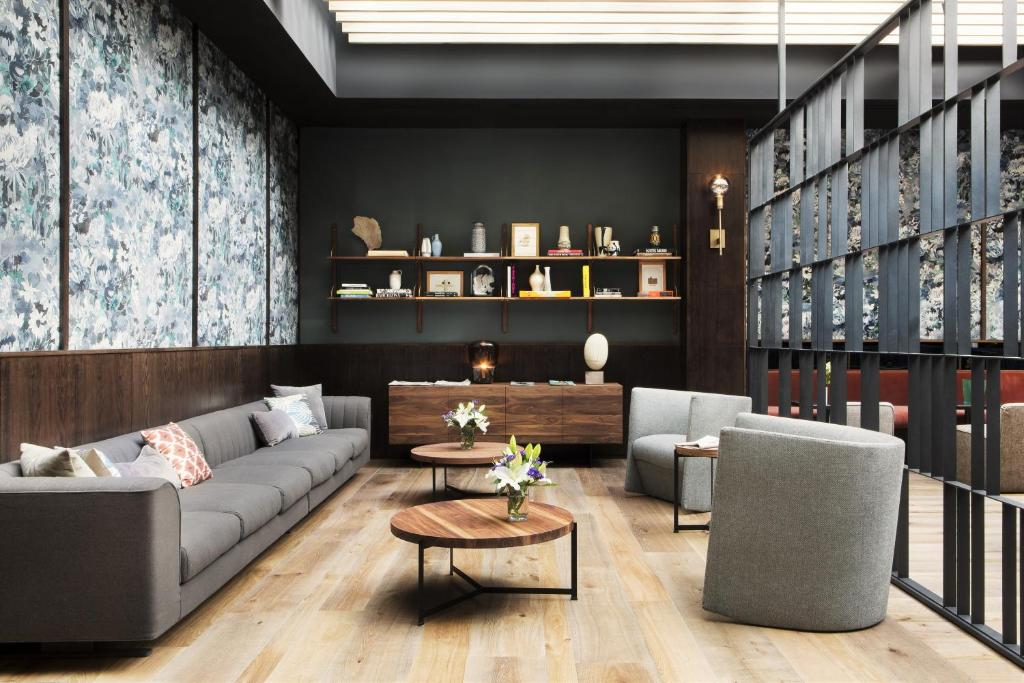 boutique hotels madrid  41