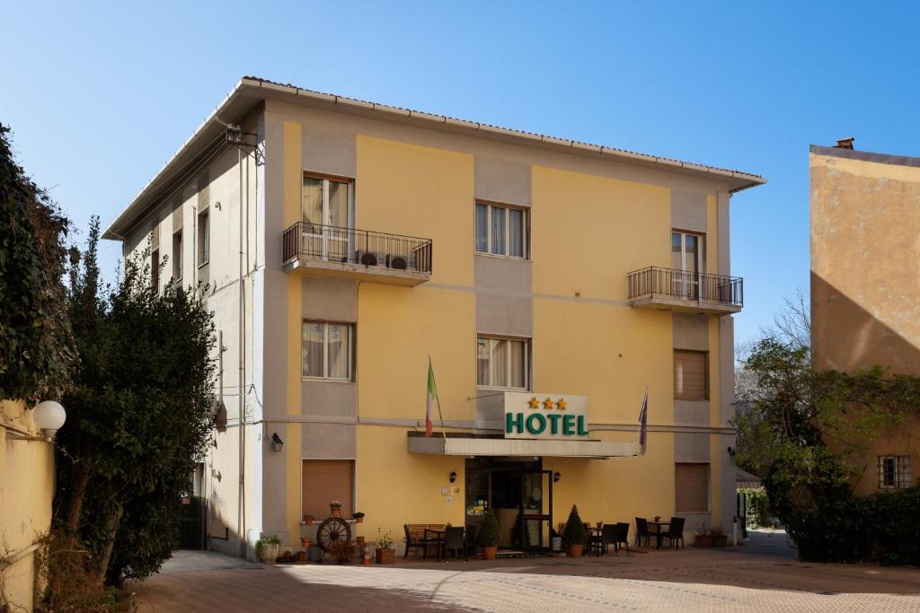 Parking hotel giardino livorno u prezzi aggiornati per il
