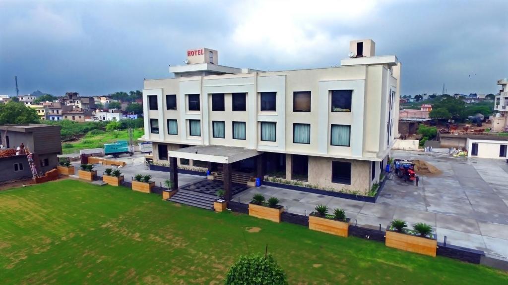 Love Kush Hotel Kishangarh India Bookingcom