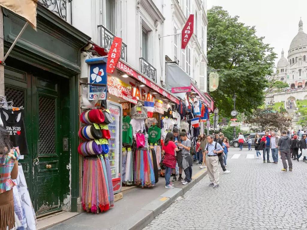 Appartement Cosy 224 Montmartre Paris France Booking Com