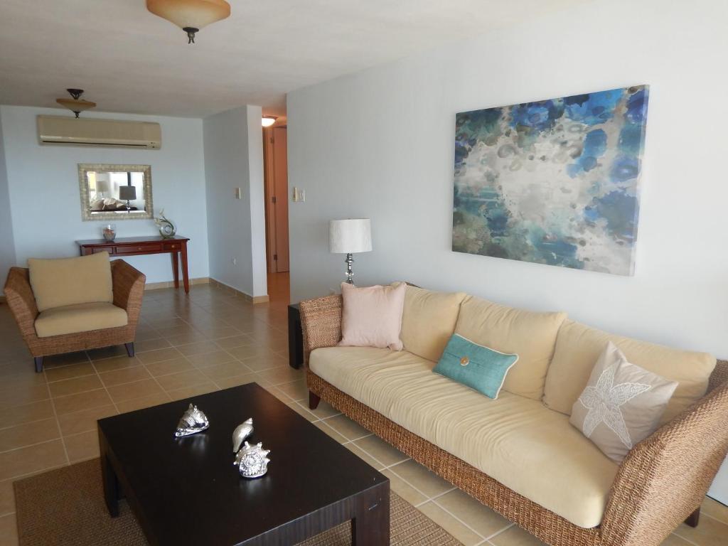 Ocean Breeze Hilltop Penthouse Playa De Fajardo Precios  # Muebles Fajardo