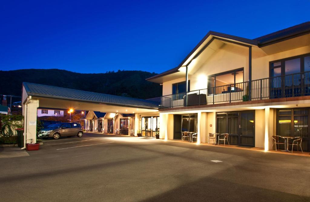 Broadway motel picton new zealand booking gallery image of this property sciox Images
