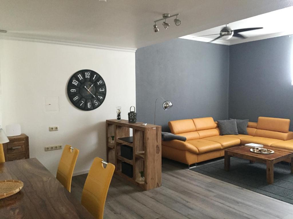 apartment ferienwohnung w rzburg germany. Black Bedroom Furniture Sets. Home Design Ideas